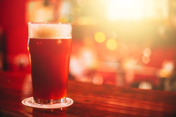 cerveja vermelha - ale - fotografias e filmes do acervo