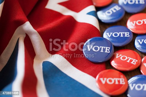 istock Red and blue voting badges with the union jack flag 470661498