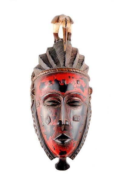 afrikanischer maske aus mali - afrikanische masken stock-fotos und bilder