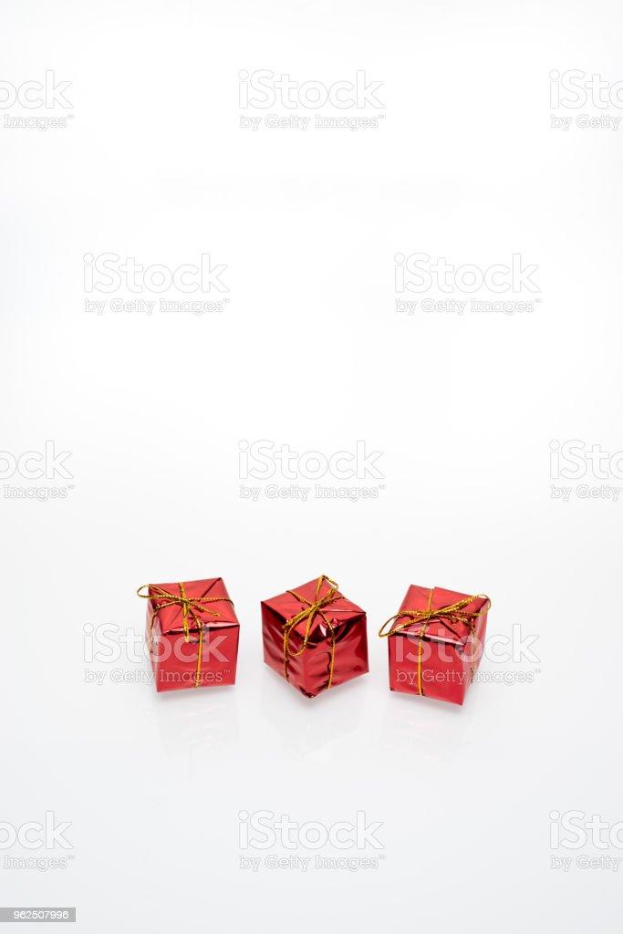Caixas de presente de Natal de vermelho e dourado - Foto de stock de Alemanha royalty-free