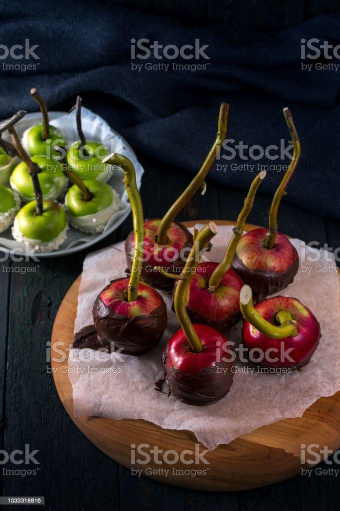 Rojo y verde manzana - foto de stock