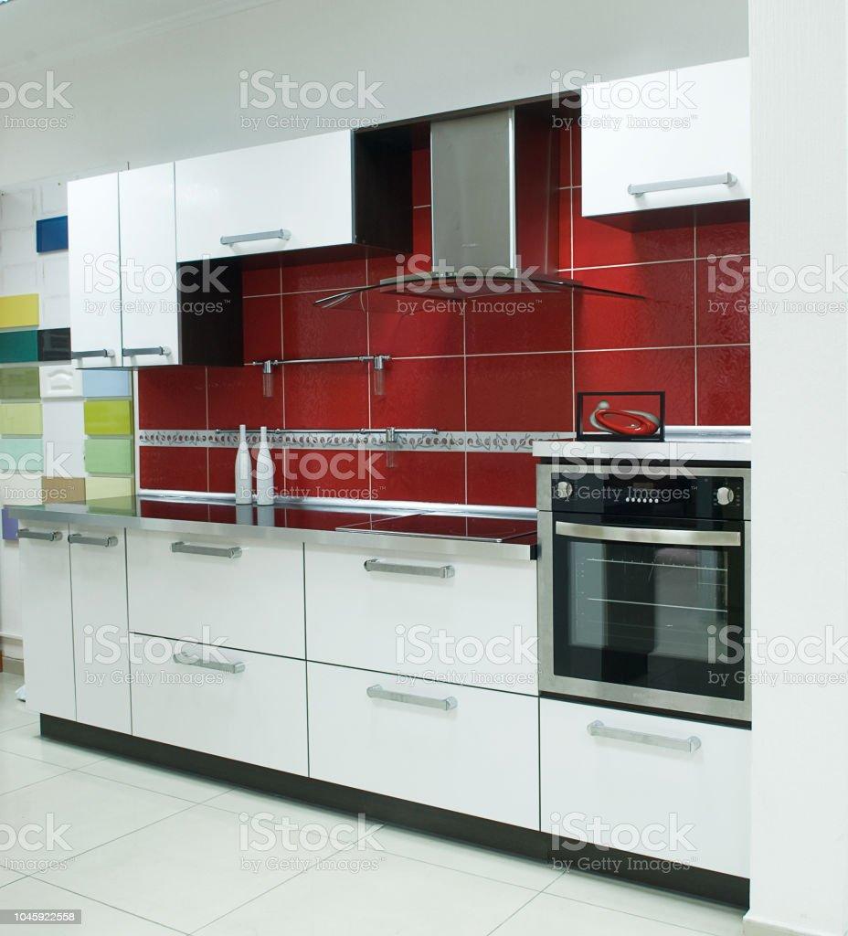 Muebles De Cocina Rojo Y Blanco Foto de stock y más banco de ...