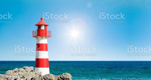 Photo of Red and White  Lighthouse