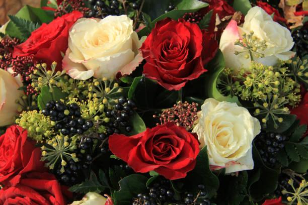 Red and white rose bridal bouquet picture id954087620?b=1&k=6&m=954087620&s=612x612&w=0&h=q2enlbjk u004w8gahngilktocvmwbz6r2gpjzklpdy=