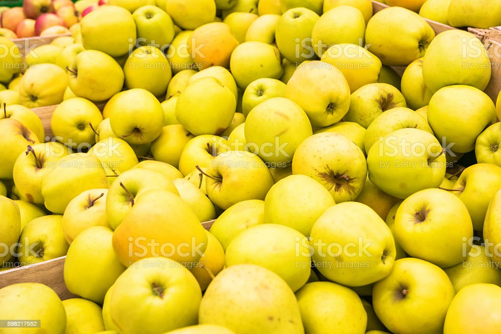 Red and yellow fresh apples foto royalty-free