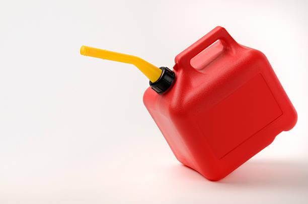 Rote und gelbe Benzinkanister Verzierungen mit Clipping Path – Foto