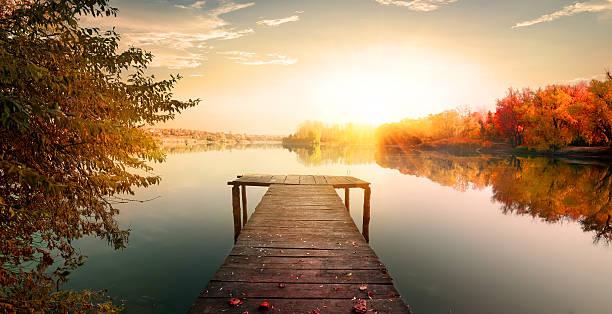 Red autumn and fishing pier picture id534037450?b=1&k=6&m=534037450&s=612x612&w=0&h=gkjptifpfd3lyuz04glofhwdzy8ihegkllqqx1qdmwy=