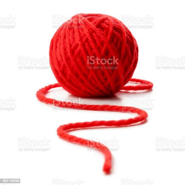 Red ball of wool on white background picture id985108066?b=1&k=6&m=985108066&s=612x612&h=pgcwnwh7zi sblimytqkvvlcb7gbth4gzq9yojgx u0=