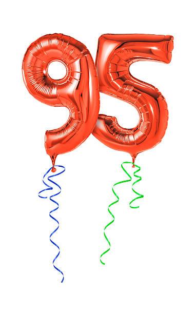 rote luftballons mit band-nr. 95 - wie lange leben fliegen stock-fotos und bilder