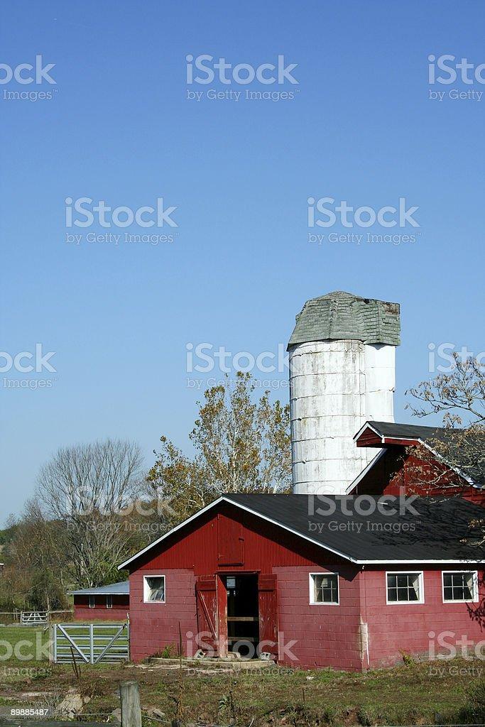 Rojo Barn y silo foto de stock libre de derechos