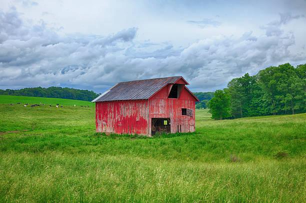 Rote Scheune In Ohio Field – Foto