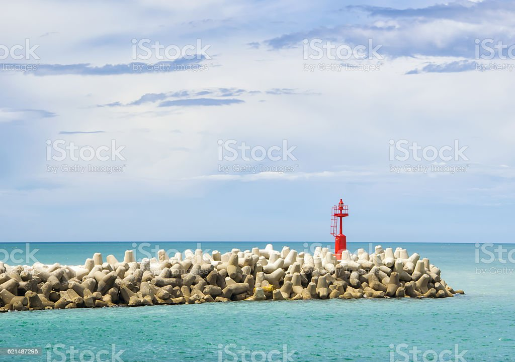 Red beacon on the rocks foto stock royalty-free
