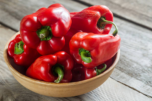 red bell peppers - 紅燈籠椒 個照片及圖片檔