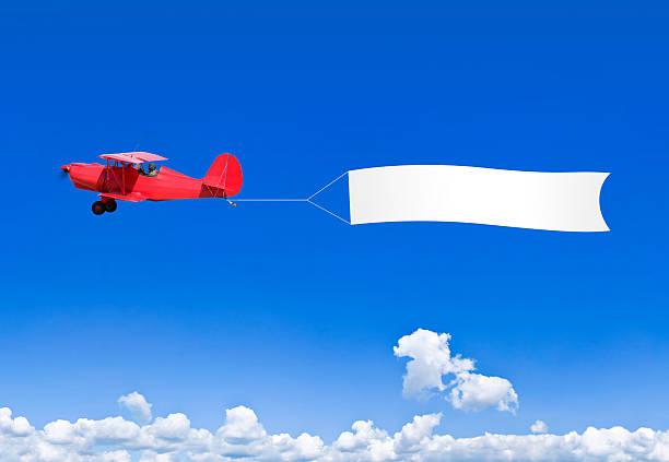 Roten Doppeldecker mit einem banner für text – Foto