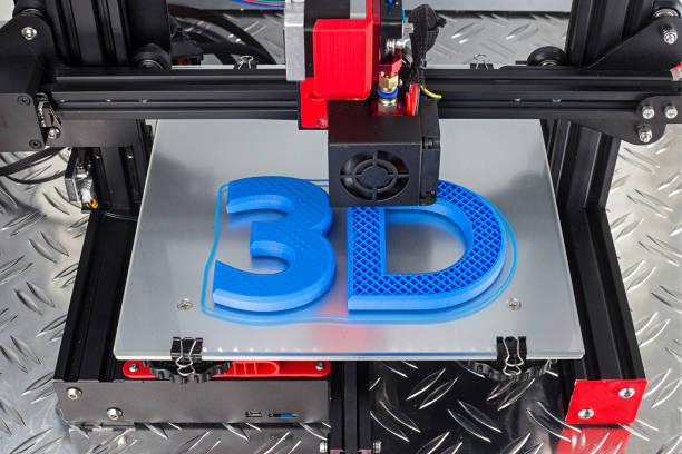 Red black 3D Drucker Druck blaues Logo-Symbol auf Metall Diamantplatte Zukunft Technologie modernes Konzept – Foto