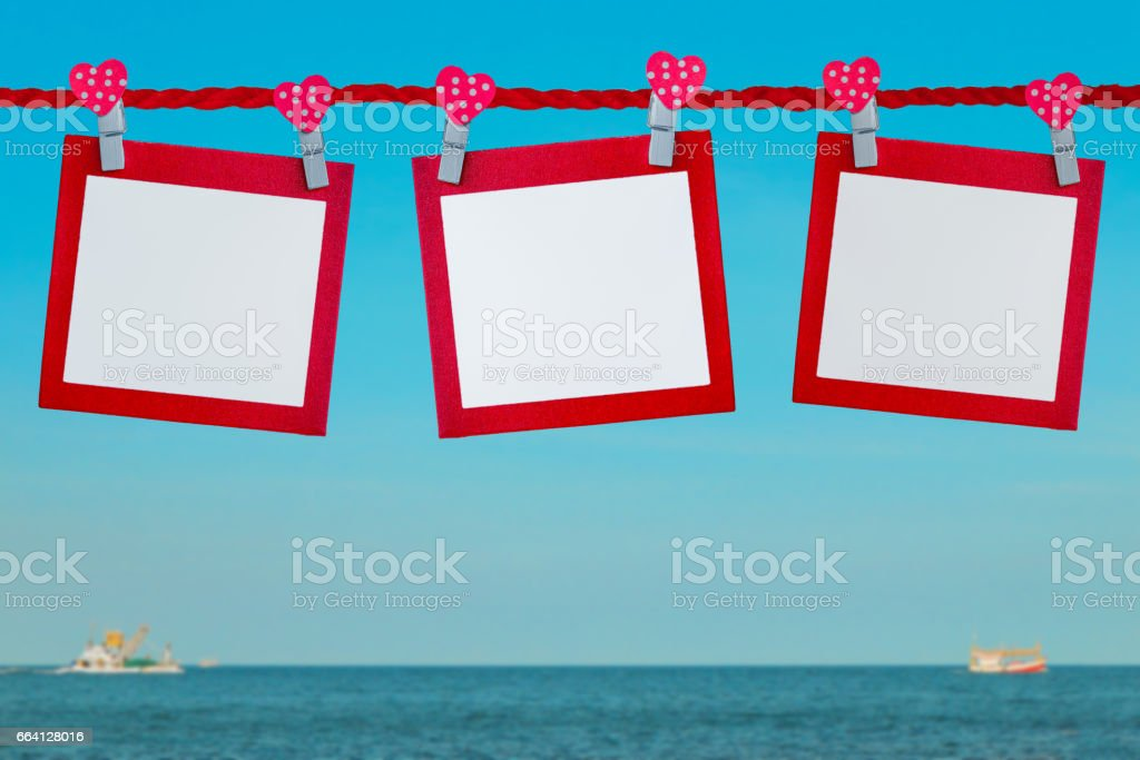 Red blank card with blurred beautiful sea foto stock royalty-free