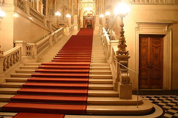 tapis rouge - marches marches et escaliers photos et images de collection