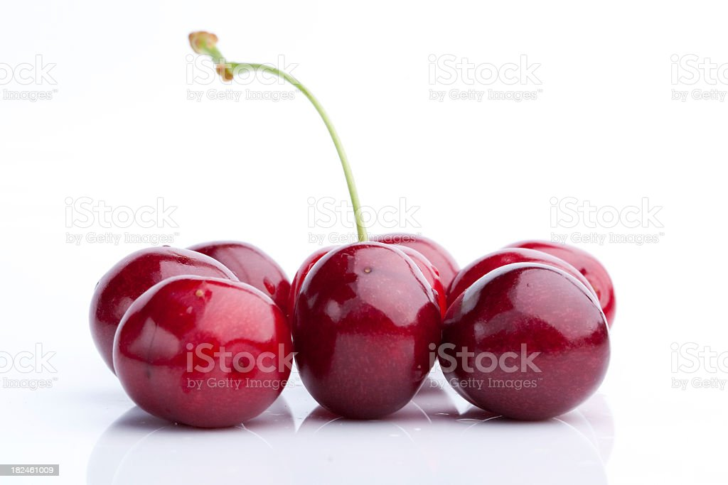 Cerezas rojas foto de stock libre de derechos