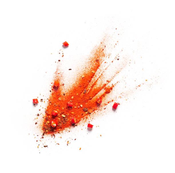 pimienta de chile rojo, polvo y escamas estalladas - especia fotografías e imágenes de stock