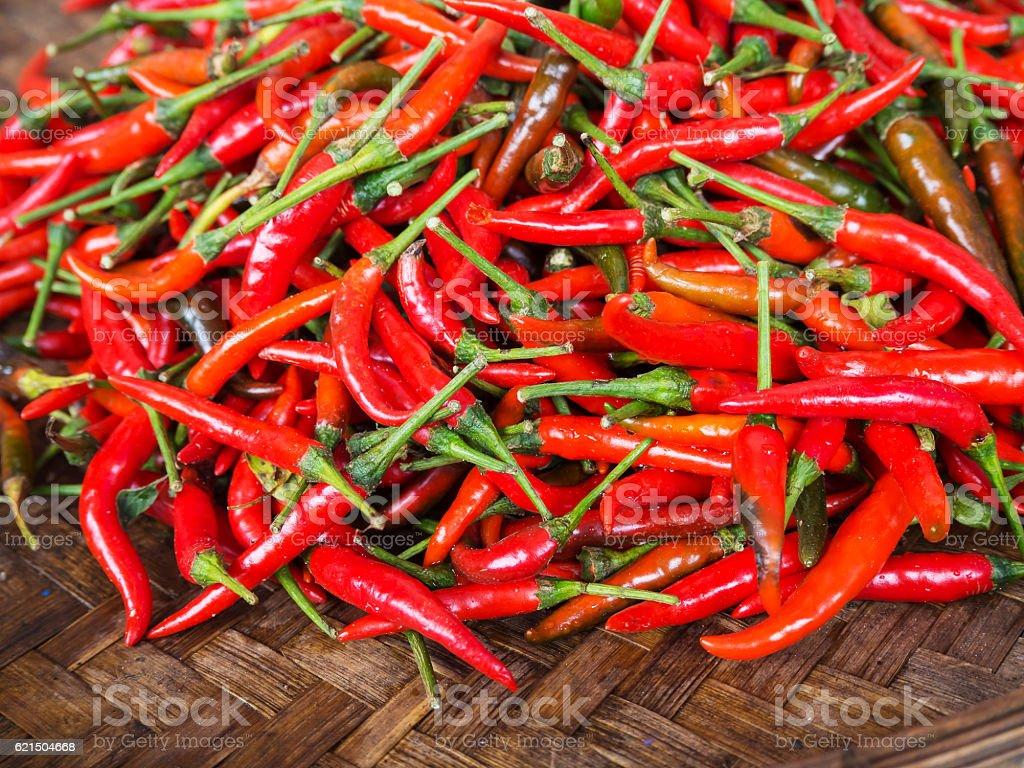 Red chillies à la vente au marché, en Thaïlande  photo libre de droits