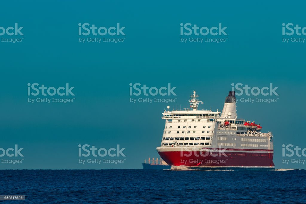 Red cruise liner royalty free stockfoto