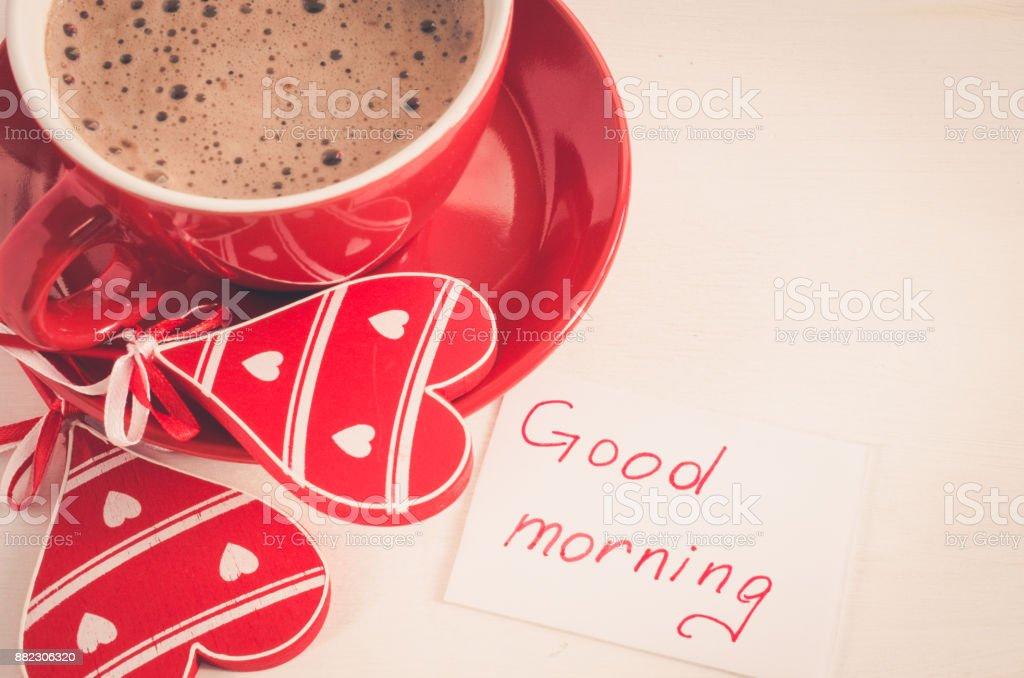 Eine Rote Tasse Cappuccino Mit Herz Aus Holz Und Notizen