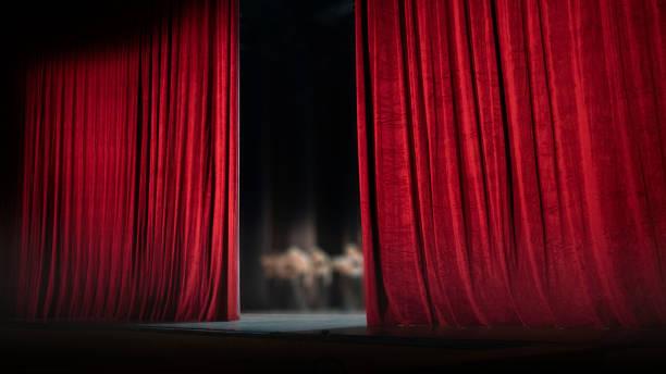 red curtain - sipario foto e immagini stock