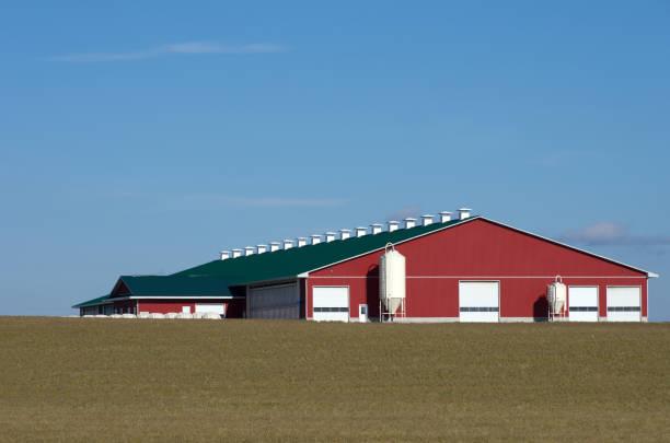 Étable laitière rouge sur l'Horizon - Photo