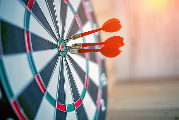 Red dart arrow hitting in the target center picture id592659936?b=1&k=6&m=592659936&s=612x612&w=0&h=jb0rnc1mir4tdwetwkud72qshoabrvcjt5cwop3moby=