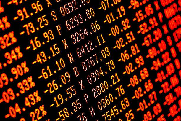 caída de la bolsa de vender-off rojo números de finanzas - accesorio financiero fotografías e imágenes de stock
