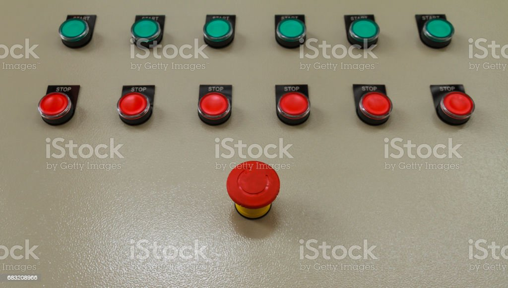 Red emergency and stop switch with green start buttons. foto de stock royalty-free