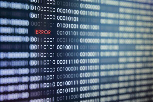 rote fehlermeldung auf bestellung binärcode hintergrund. nummer eins und null in muster. auf blauem hintergrund. - fehlermeldung stock-fotos und bilder