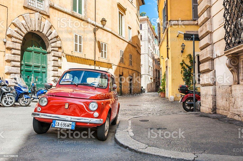 Rosso Fiat 500 a Roma - foto stock