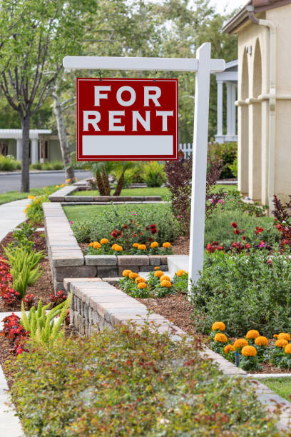 Rot für Miete Immobilien Zeichen im Vorderhaus – Foto