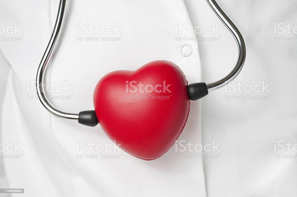 Rotes Herz und Stethoskop – Foto