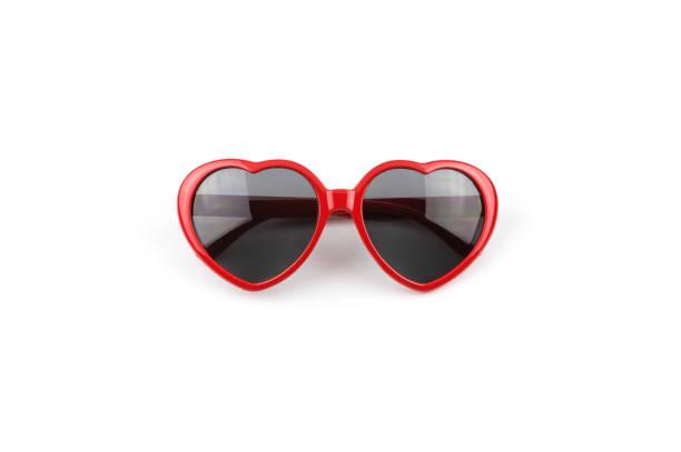coração vermelho óculos de sol dados forma - óculos escuros acessório ocular - fotografias e filmes do acervo