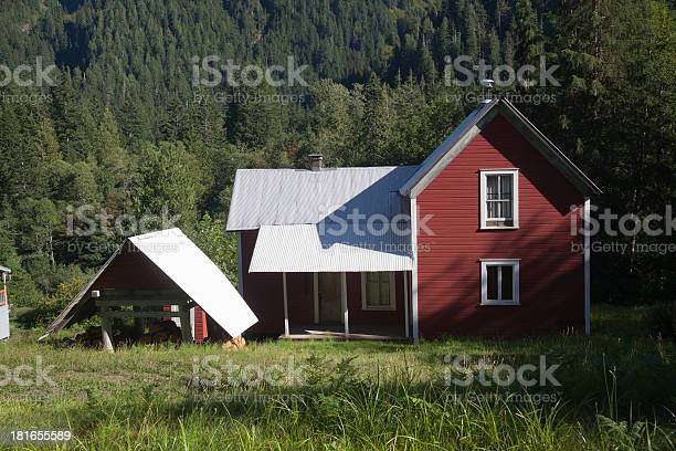 Red House In The Cascade Mountains Stock Photo - Download Image Now