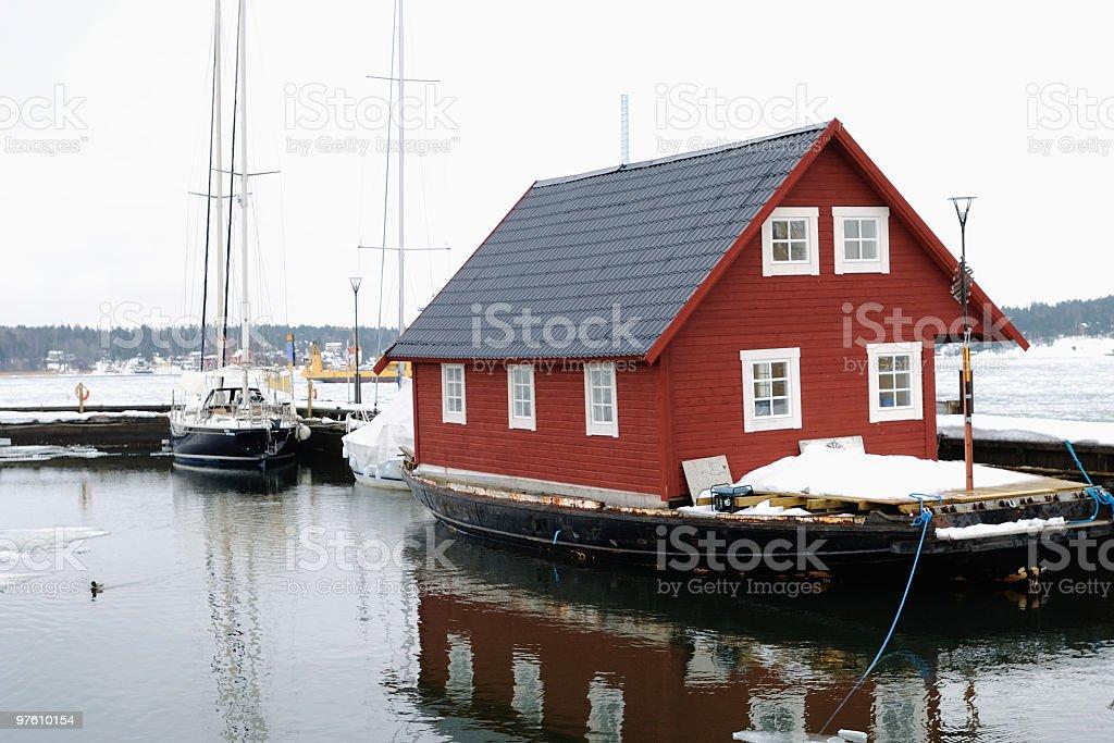 Red house on a boat royaltyfri bildbanksbilder