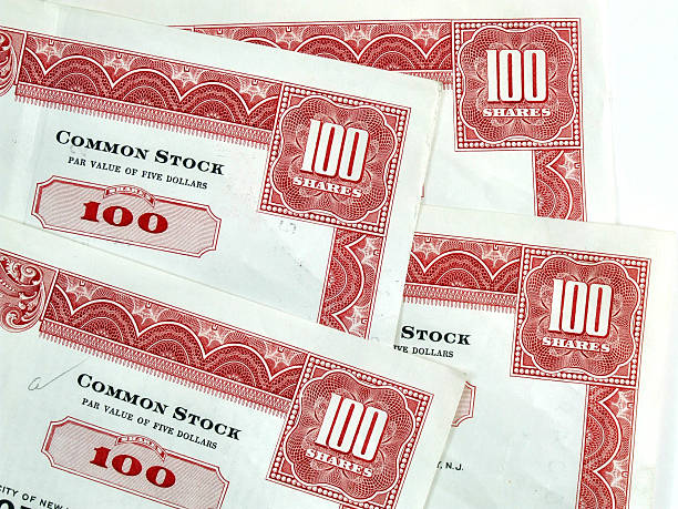Red hundred shares certificates  debenture stock pictures, royalty-free photos & images