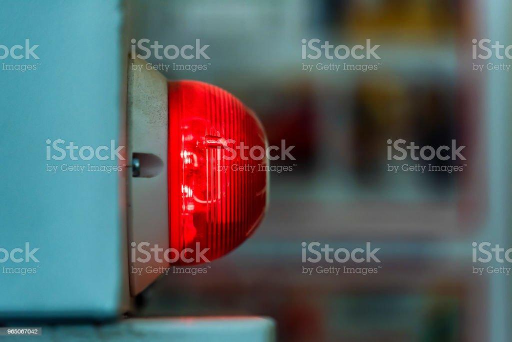 Red industrial signal lamp close zbiór zdjęć royalty-free