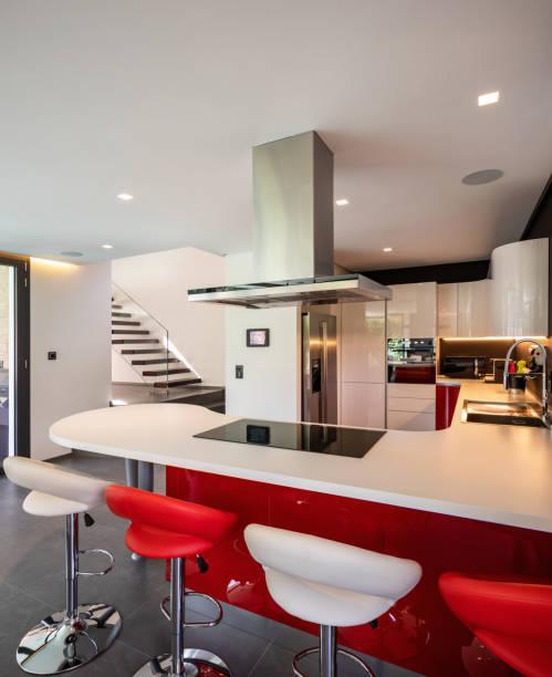 Rote Küche ausführlich moderne villa – Foto