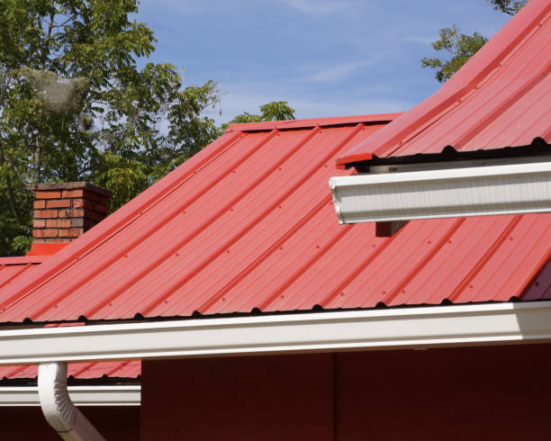 Red metal roof Red metal roof metal stock pictures, royalty-free photos & images