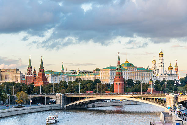Red Moscow Kremlin, Russia Red Moscow Kremlin, Russia kremlin stock pictures, royalty-free photos & images