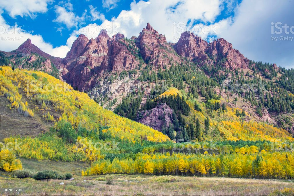 Red Mountain Peaks And Fall Colors At Maroon Bells Valley