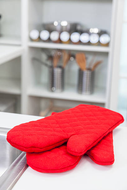 6 437 Oven Mitt Stock Photos Pictures Royalty Free Images Istock