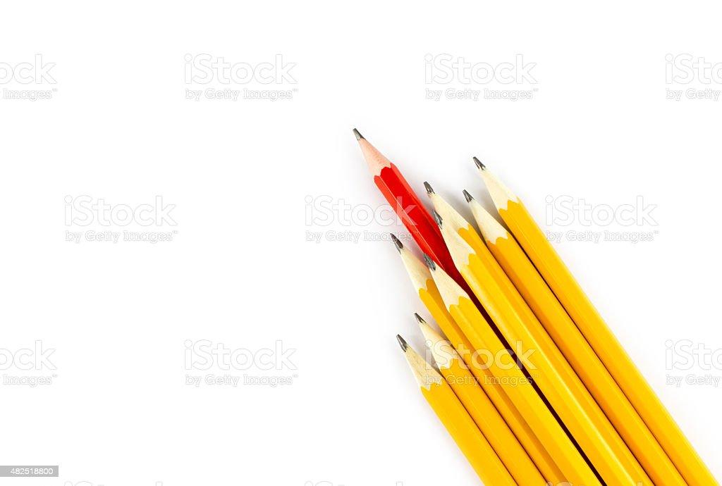 Roten Bleistift, aus der Zeile der gelbe Bleistifte – Foto