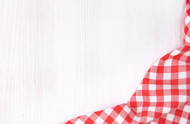 red picnic cloth on white wooden background. - top view, wood table, empty imagens e fotografias de stock