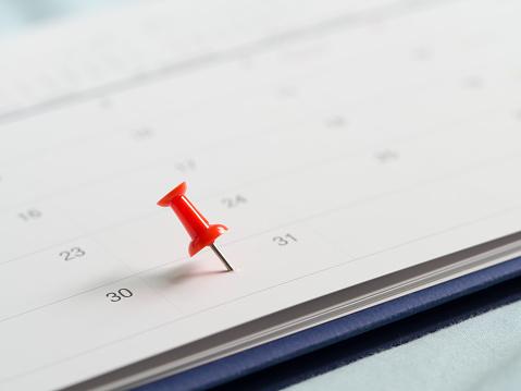 Red Pin Push On Day 31 End Month White Calendar - Fotografie stock e altre immagini di 2010