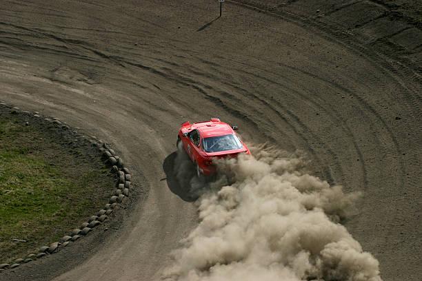 rot racing car - rally stock-fotos und bilder