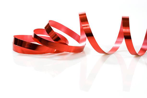 Ruban rouge sur blanc - Photo